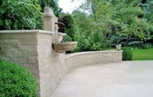 SSG MAXBERG® Jura Kalkstein Gartengestaltung mit Gartenmauer und Brunnen